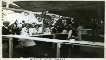 Red Deer Archives, P412; Sylvan Lake picnic, 1925