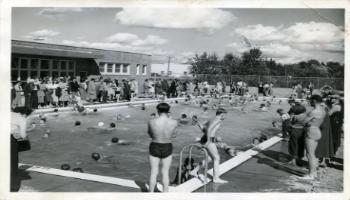 Red Deer Archives, P4130; Swimming at the Red Deer Pool, ca. 1950