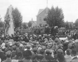 Cenotaph 1922 Red Deer Archives P3210